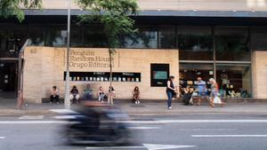 Fachada de la sede de Penguin Random House en Barcelona.