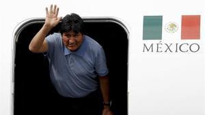 El dimitido presidente de Bolivia, Evo Morales, sorprendió a los mexicanos al conocerse que viajó a Cuba.