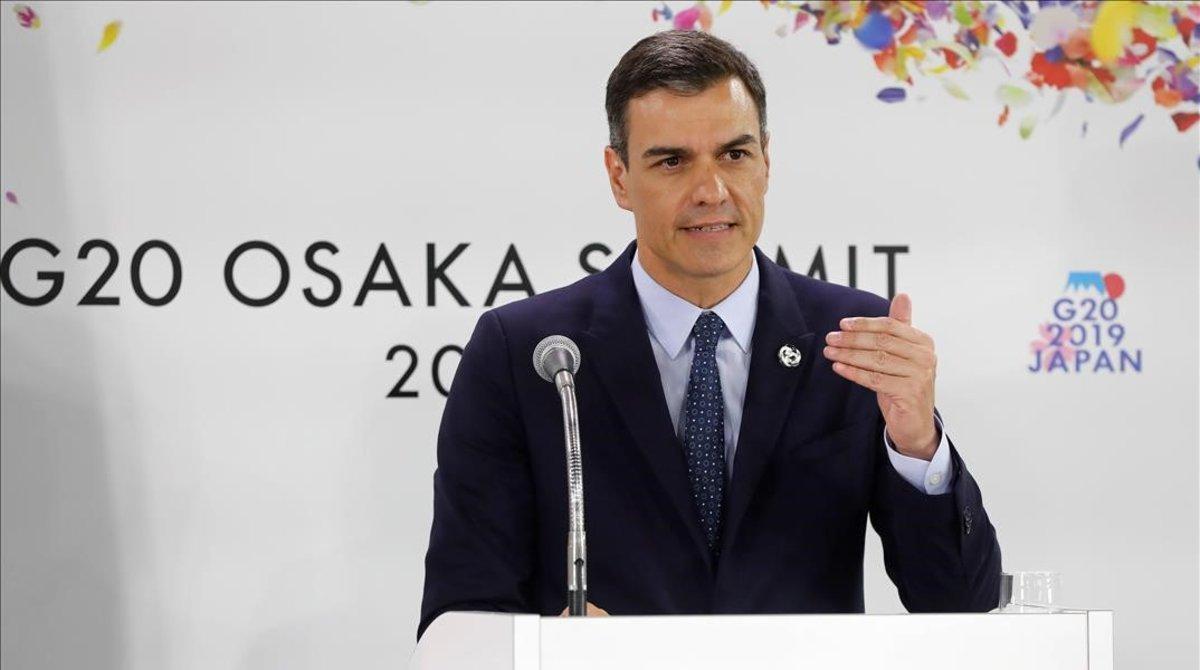 El presidente del Gobierno, Pedro Sánchez, durante la rueda de prensa ofrecida tras la finalización de la cumbre del G-20 en Osaka (Japón).