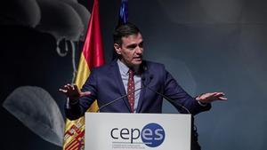 El presidente del Gobierno, Pedro Sánchez, en el acto de clausura de la XXIX Asamblea General de la Confederación Empresarial Española de la Economía Social (Cepes), este jueves.