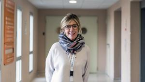 La bióloga Anna Veiga,en el Institut d'Investigació Biomèdica de Bellvitge (Idibell).