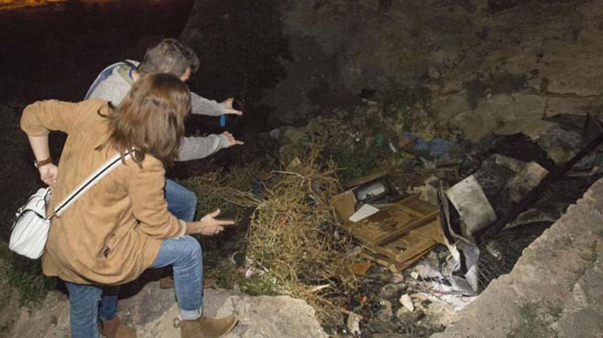 Tres menors més estan detinguts per provocar un incendi a la vivenda.