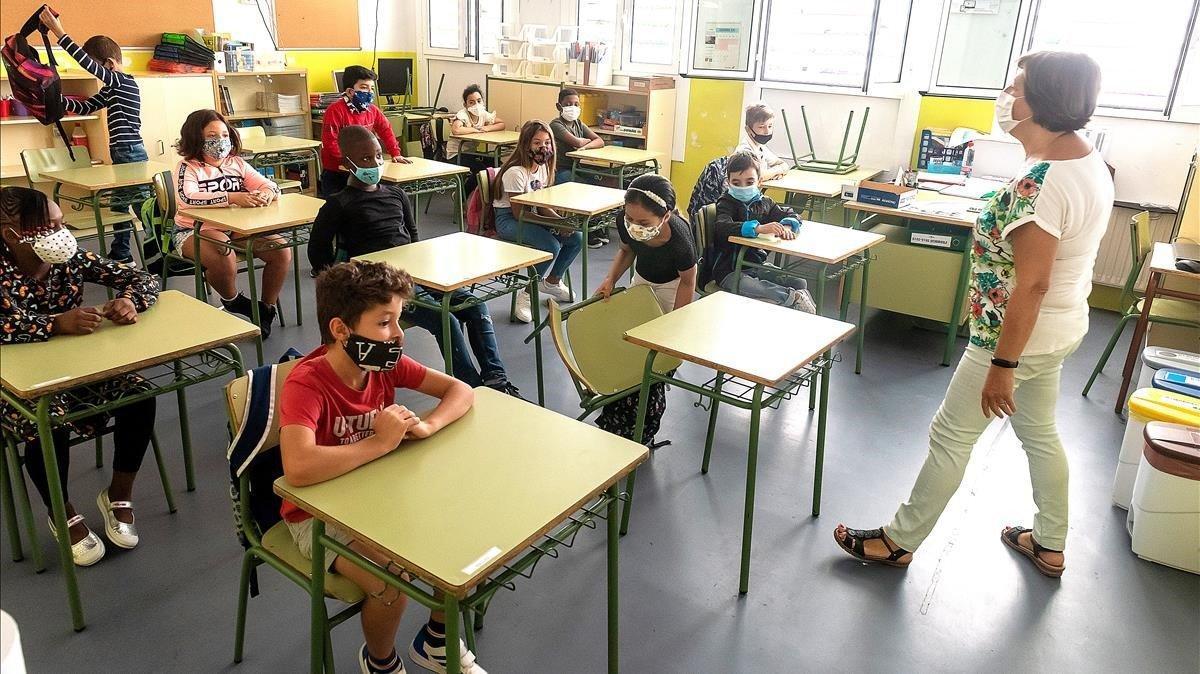 Primer día de clase en la escuela Pandinyes de Lleida.