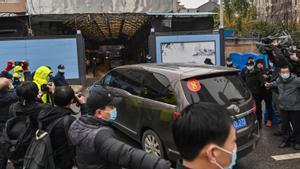 Visita de los expertos de la OMS al mercado de Wuhan.
