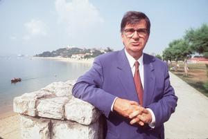Ernest Lluch, el exministro socialista que ETA asesinó hace 20 años.