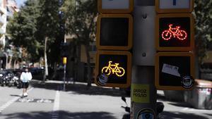 El 20% de las bicicletas y de los patinetes incumplen al menos una norma de tràfico.