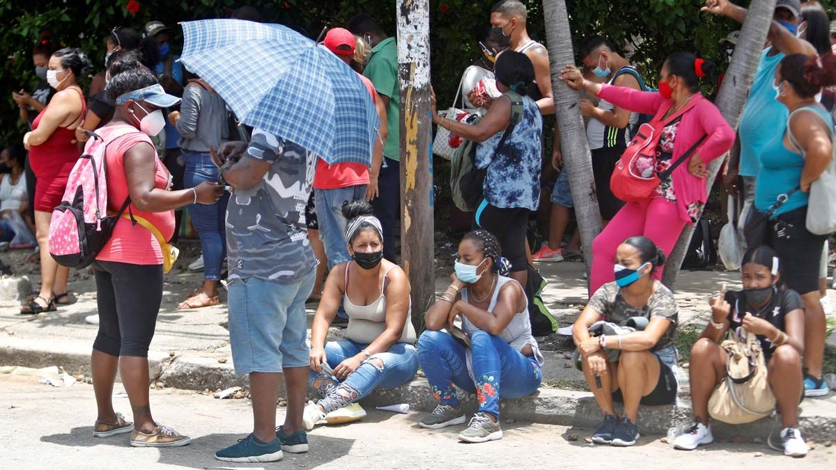 Inéditas protestas callejeras en Cuba en plena crisis por el covid