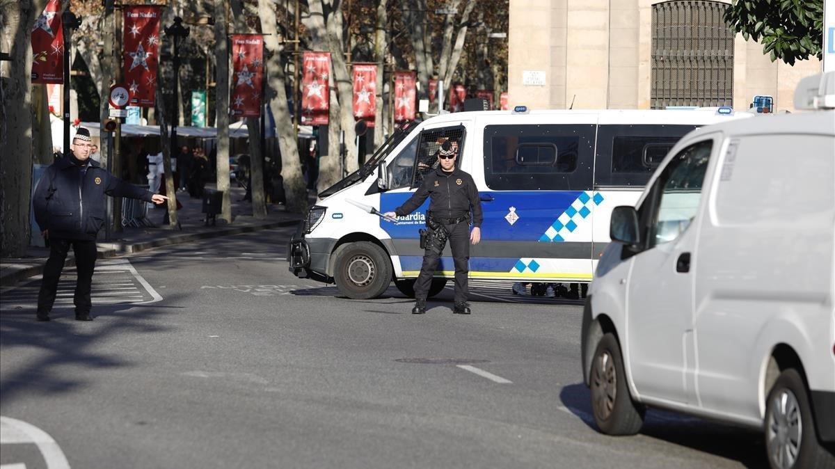 Dispositivo de seguridad antiterrorista, este lunes en las Ramblas.