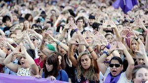 Una concentración en protesta por la agresión sexual grupal de Bilbao.