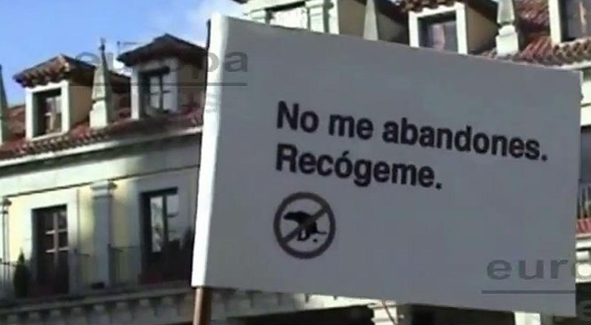 La campaña de Brunete, en la que se ve cómo envía cacas de perro a domicilio.