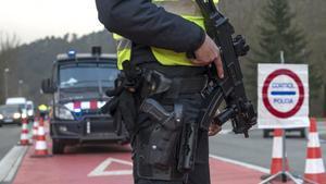 Control policial en la C-17, en la entrada de Ripoll, el 24 de diciembre
