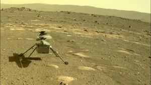 El helicóptero de la Nasa 'Ingenuity', en Marte.