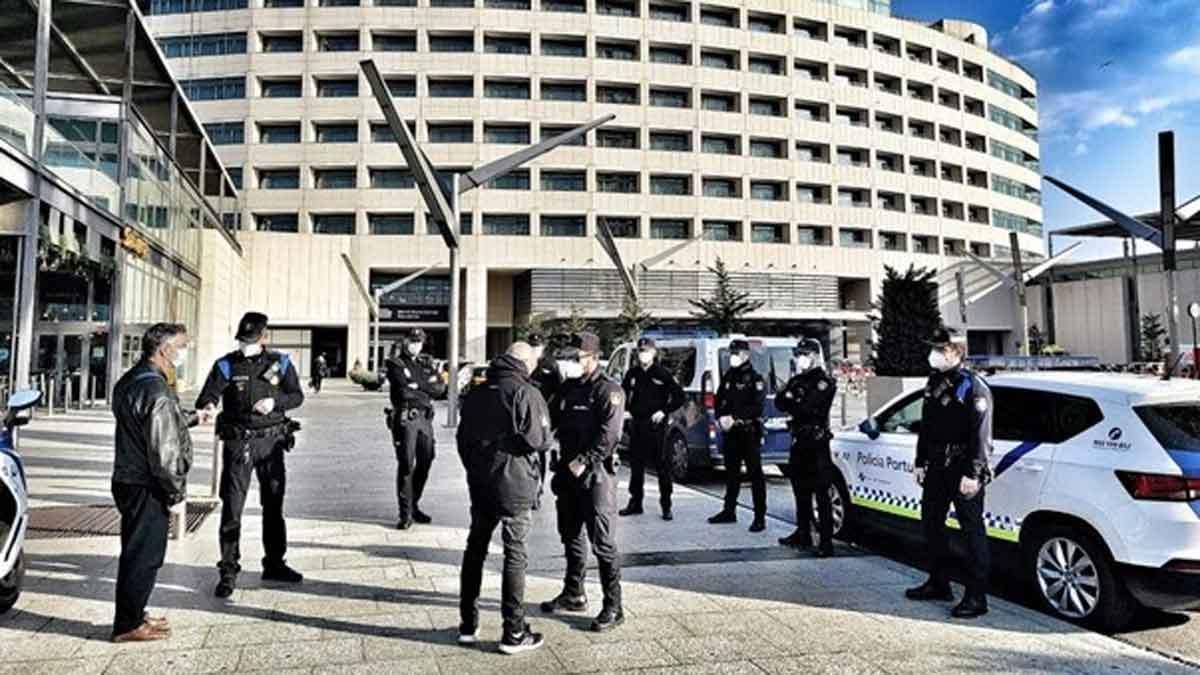 Operativo de la Policía Portuaria y la Policía Nacional para evitar robos en la zona del puerto de Barcelona