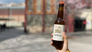 Tres cerveses artesanes per beure per una bona causa