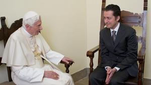 El papa Benedicto XVI con Paolo Gariele.