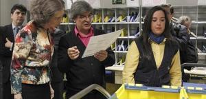 La reina emérita Sofía en las instalaciones del Grupo Correos en la calle Chile de Madrid.