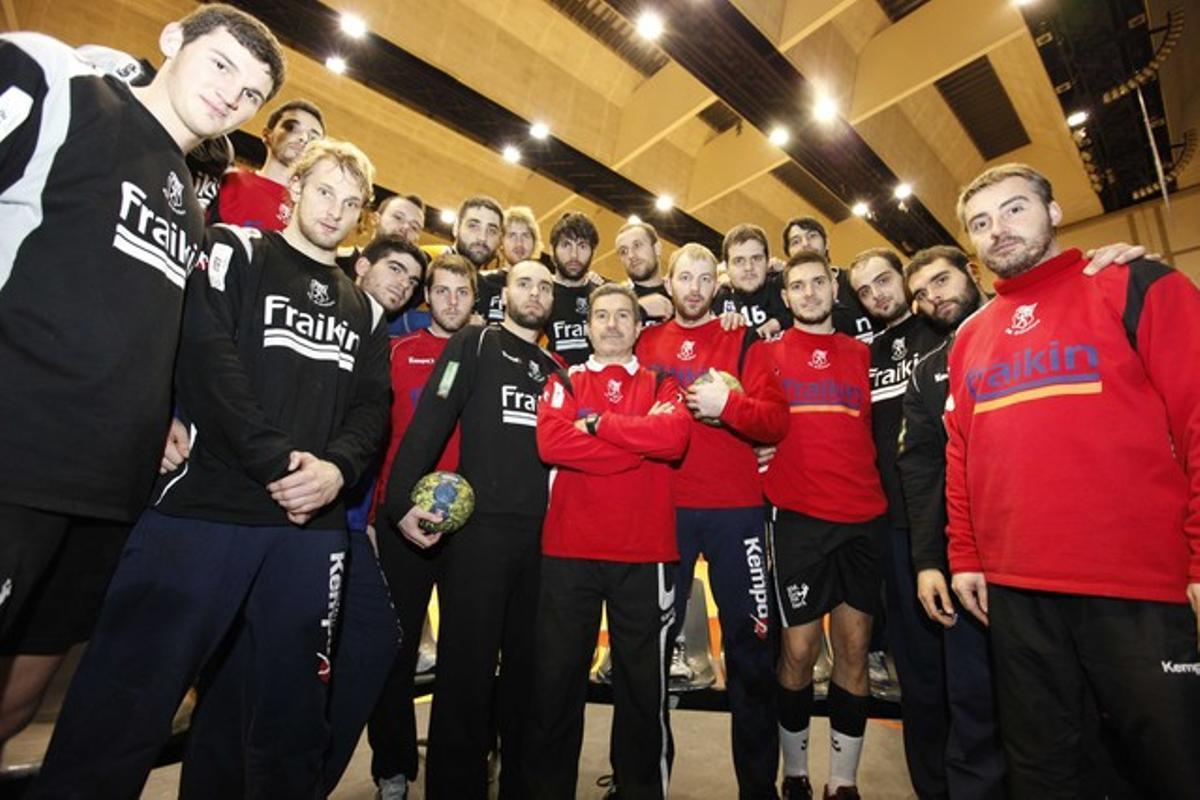Jugadores y entrenadores del BM Granollers se dejan la barba para protestar porque no les pagan el salario.