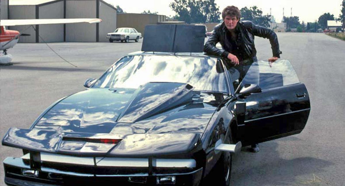 David Hasselhoff junto a Kitt, en la serie 'El coche fantástico'.