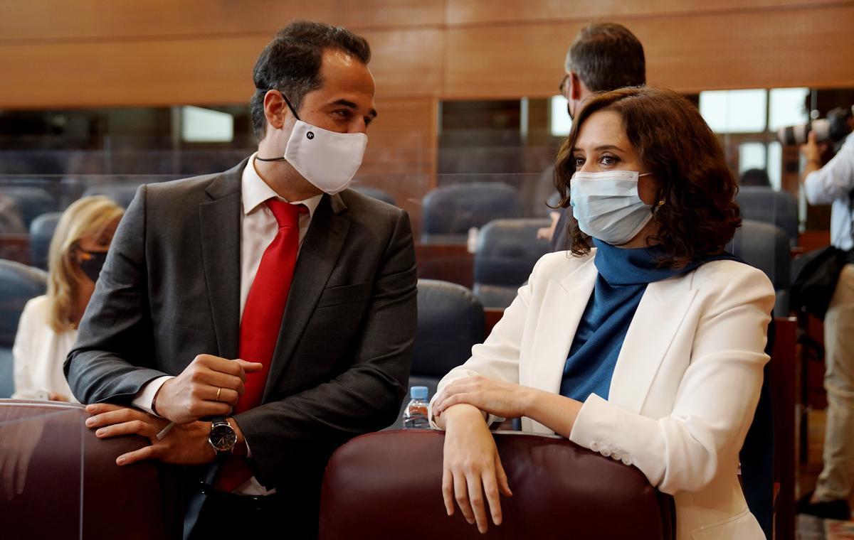 Isabel Díaz Ayuso e IgnacioAguado en la Asamblea de Madrid,  en una imagen de archivo.