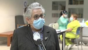 Nieves Cabo, primera gallega en ser inmunizada: Que no dejen de vacunar
