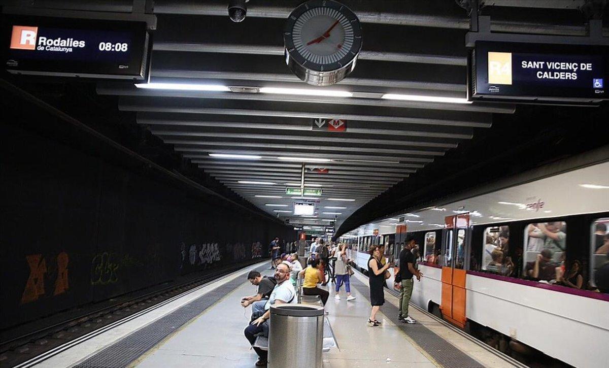 La estación de la Sagrera, durante la jornada de huelga de Renfe.