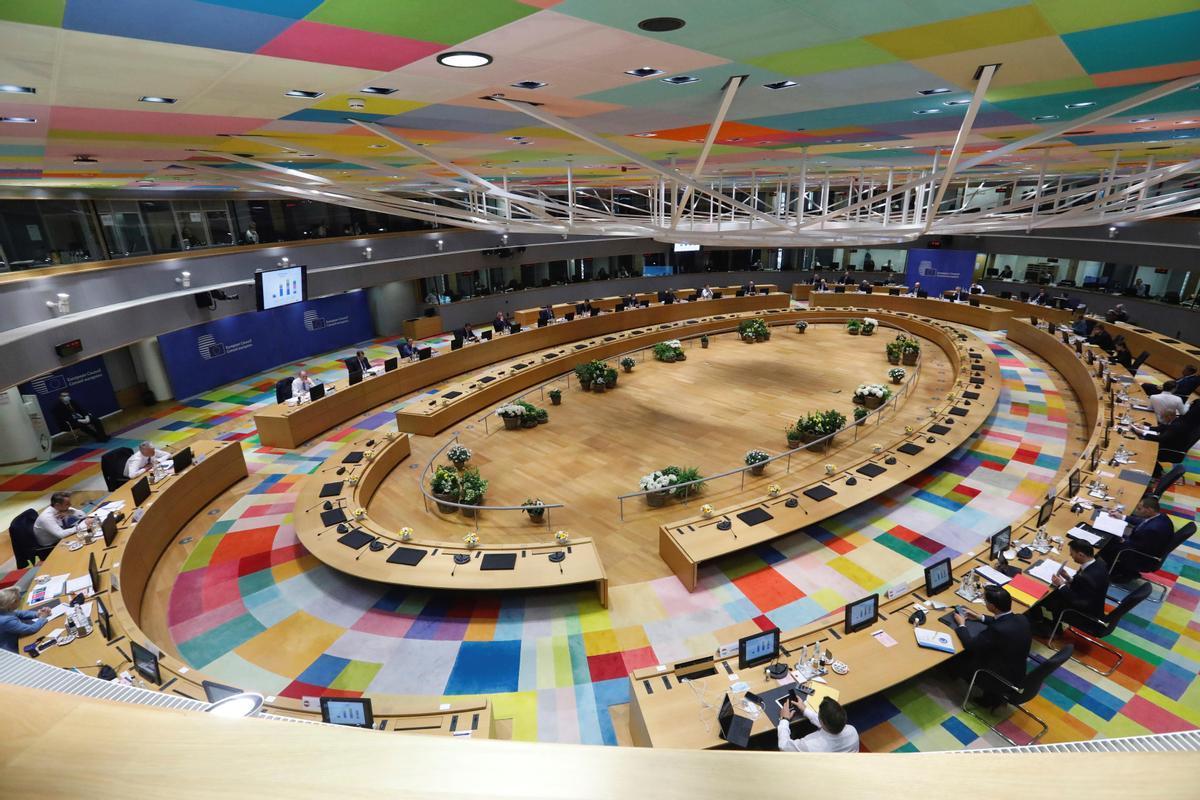 Vista general de los presidentes y primeros ministros que participan en la segunda jornada del Consejo Europeo extraordinario que se celebra de forma presencial en Bruselas este martes.
