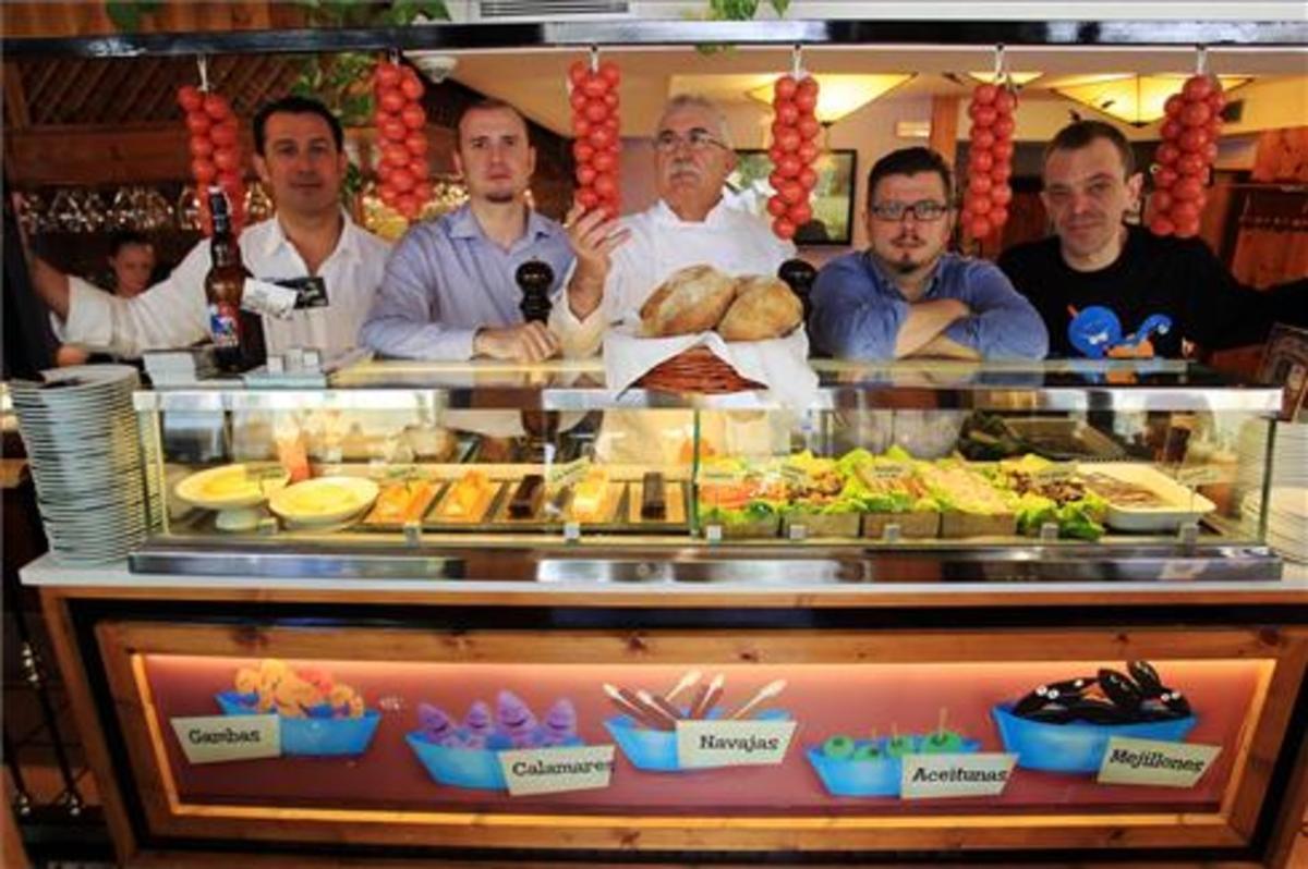 Borja y Pedro Iglesias, Liborio Martínez, Juan Carlos Iglesias y Toni Vázquez. Foto: Ricard Cugat