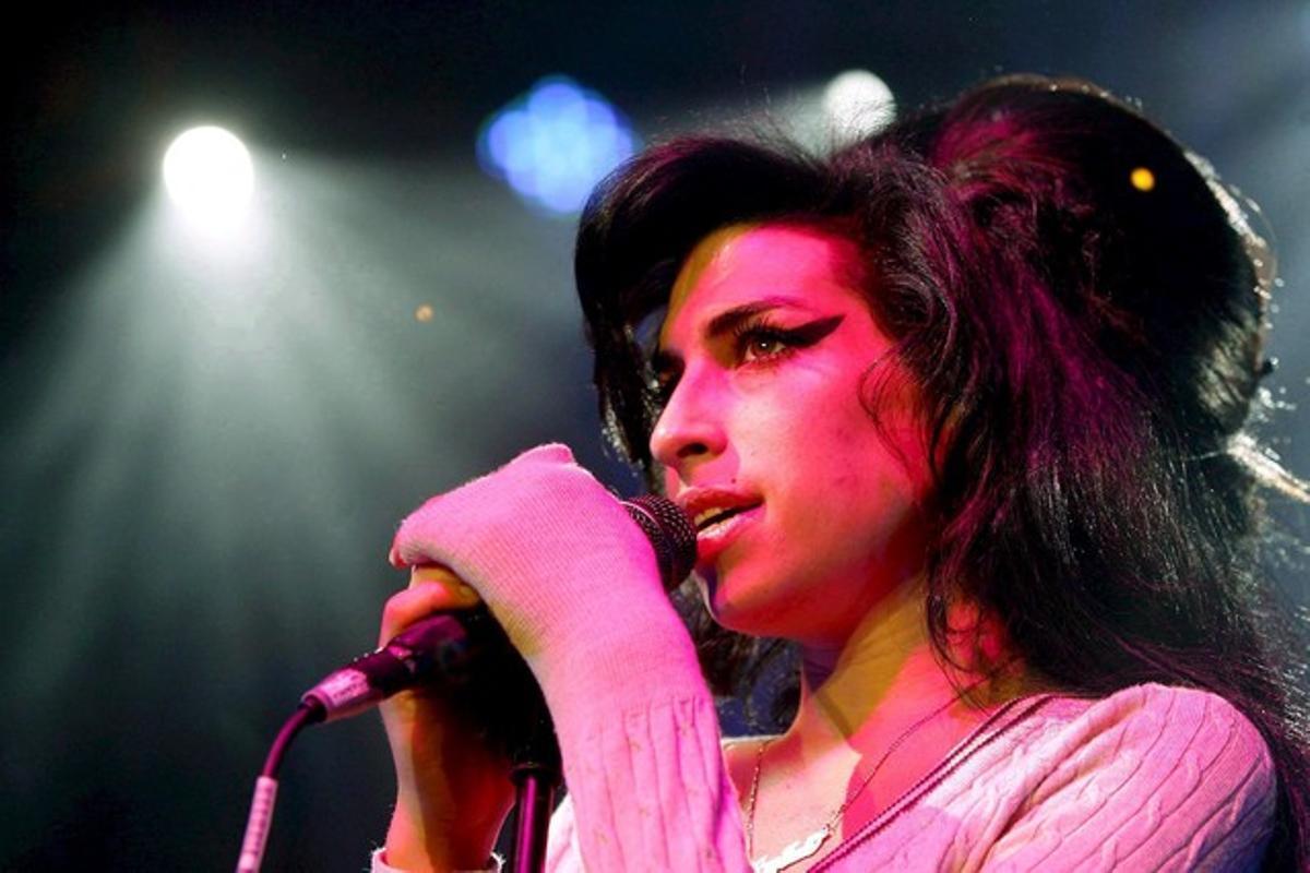 Amy Winehouse, en una actuación.