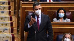 Sánchez s'obre a retocar el decret de la llum