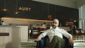 El chef Artur Martínez, en la sala de Aürt.