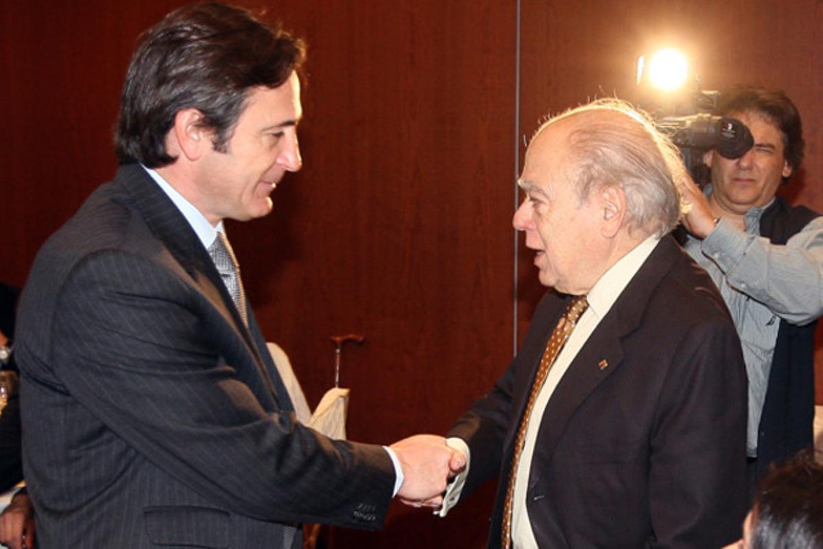 Jordi Pujol i el seu fill Jordi Pujol Ferrusola a l'Hotel Majestic el 2009.