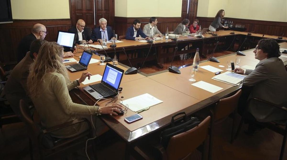 Reunión de la ponencia de la ley electoral catalana, el 17 de abril del 2015 en el Parlament.