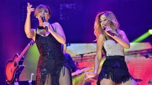 Chenoa y Natalia, durante el concierto de 'OT: el reencuentro' en el Palau Sant Jordi.