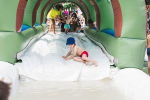 El Poble Espanyol organitza la festa de l'aigua i diverses activitats infantils