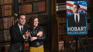 Ben Platt y Zoey Deutch, él protagonista y ella estupenda secundaria en 'The Politician'.