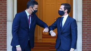 Pedro Sánchez inicia con Pablo Casado su ronda de contactos con los partidos políticos, este 2 de septiembre en la Moncloa.