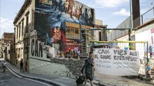 El centro okupado de Can Vies, este miércoles, dos años después del desalojo frustrado.