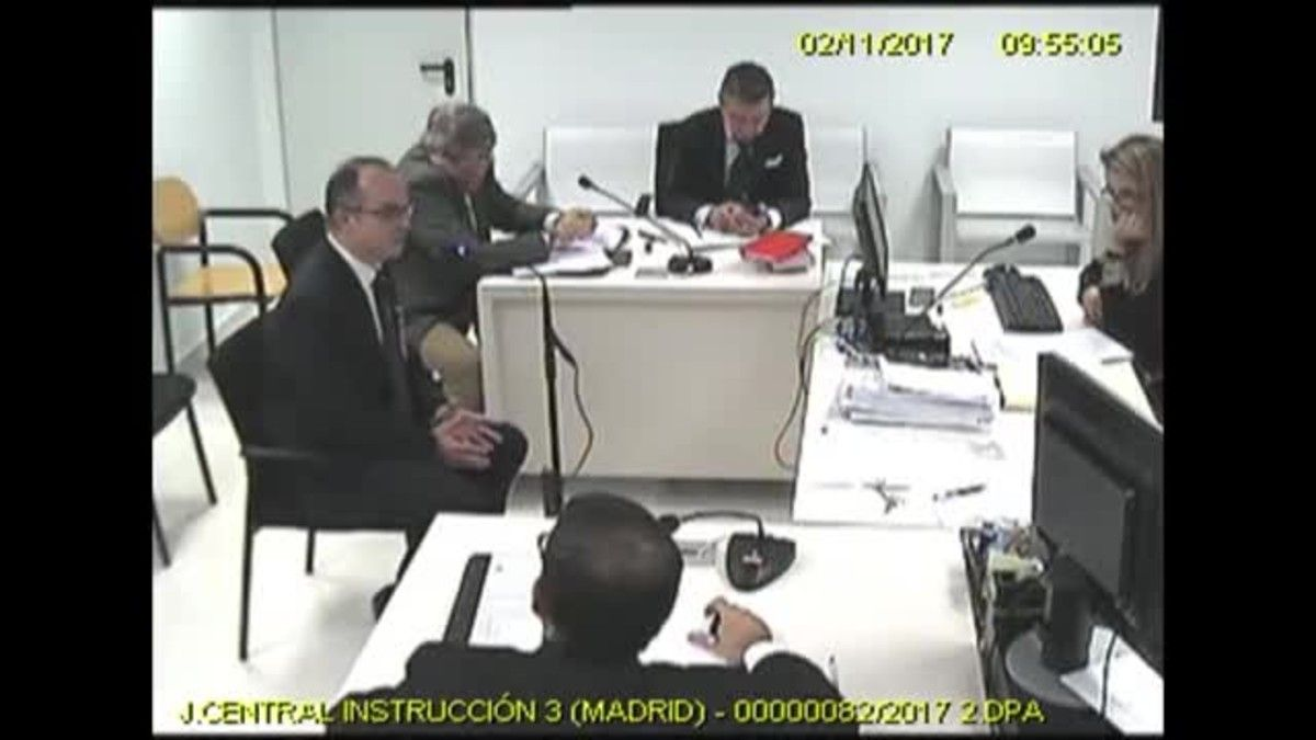 Imágenes de la sala de la Audiencia Nacional con la magistrada Carmen Lamela interrogando diversos exmiembros del Govern como Borràs, Bassa, Romeva, Rull, Turull o Mundó.
