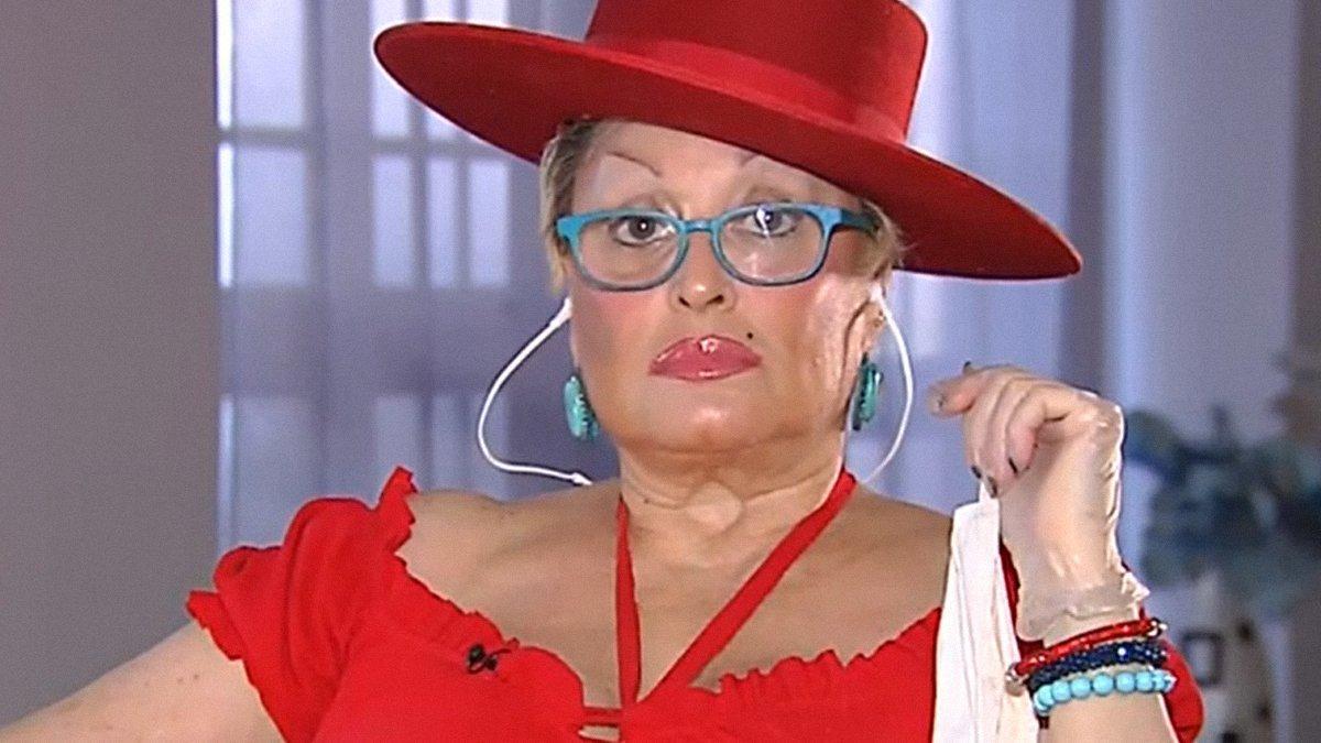 """Aramís Fuster en 'Todo es mentira': """"Estoy vetada en televisión por el enano cabezón"""""""