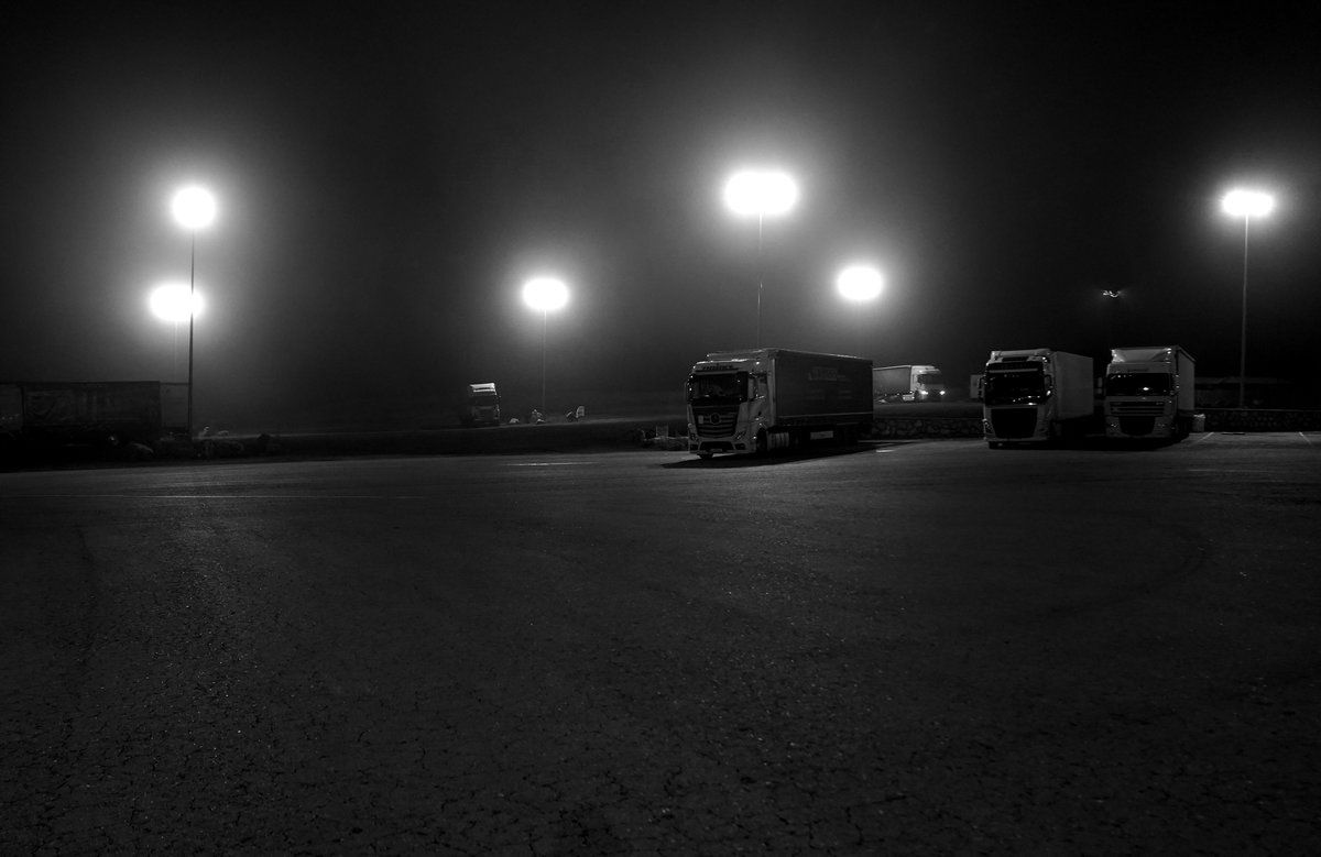 Los camiones cruzan el perímetro de España solos de noche porque la cobertura es muy buena.