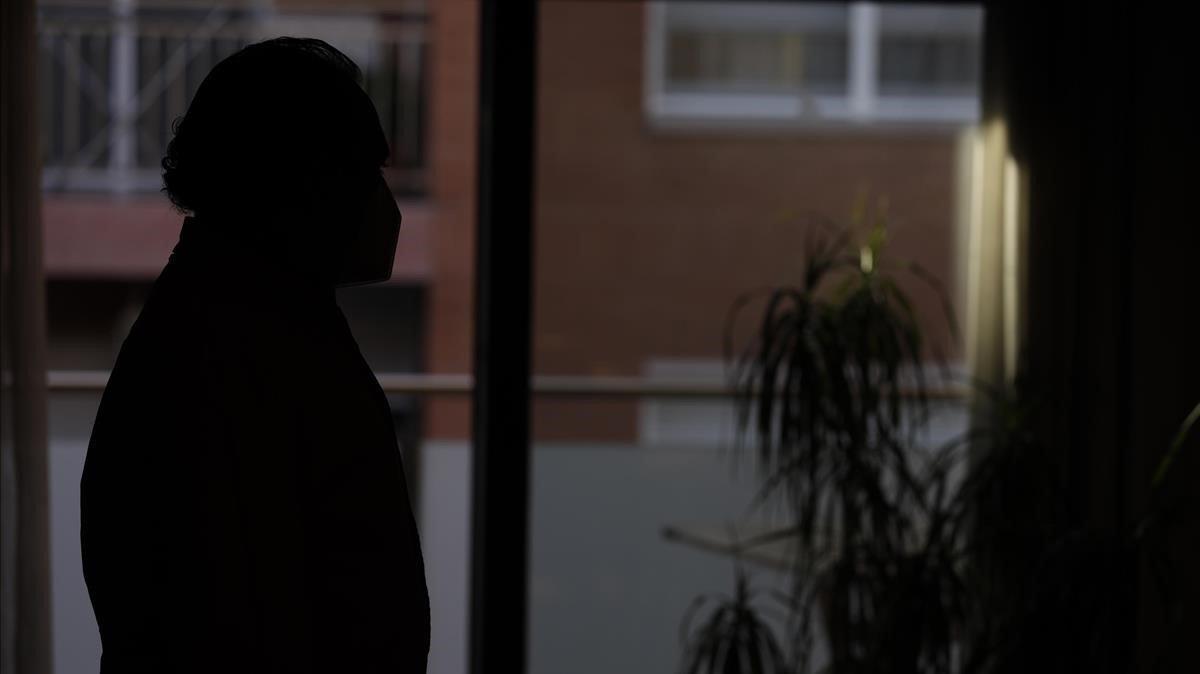 Perfil del vecino de Rubí que ha decidido comprar la vivienda de un supuesto vecino traficante para poder desahuciarlo.