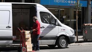 Trabajadores ejerciendo en Barcelona a pesar del estado de alarma.