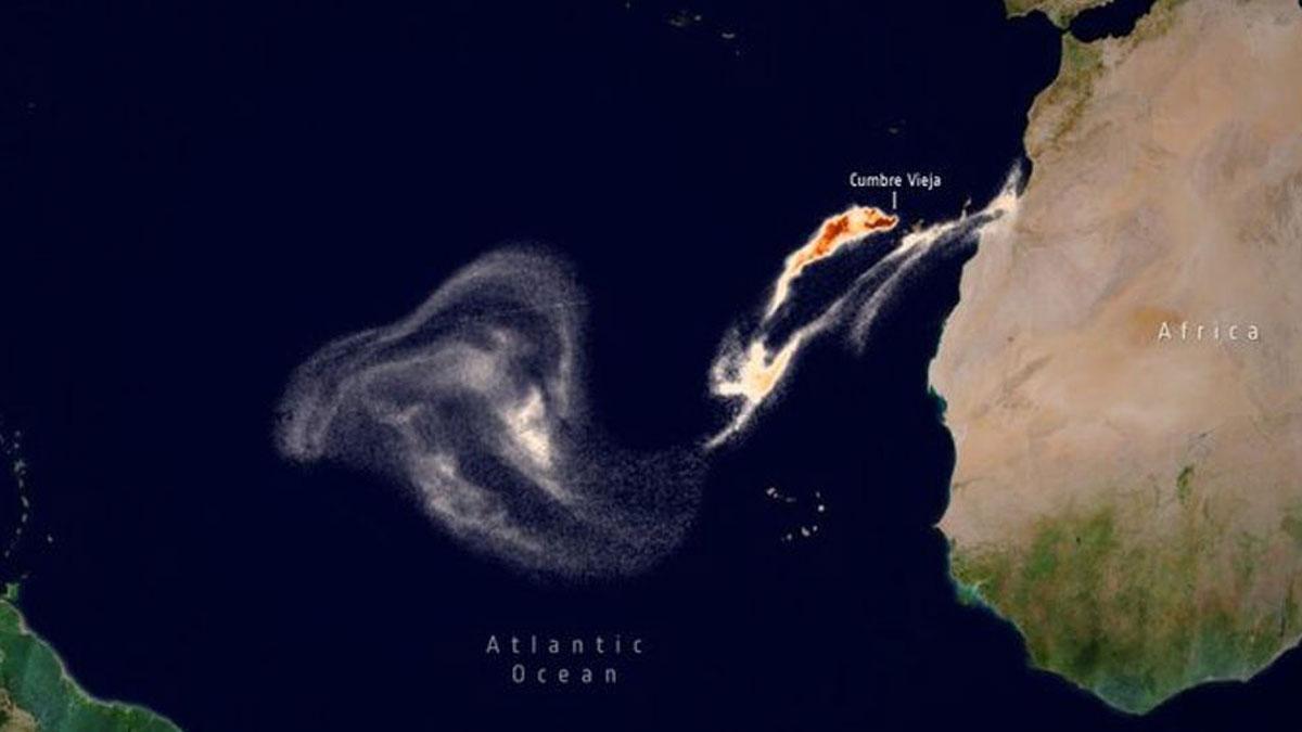 Imagen de la dispersión del dióxido de azufre que emana del volcán de La Palma captada desde el espacio.