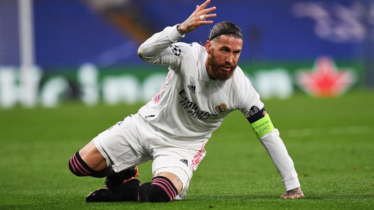 Sergio Ramos se queja durante un partido de la Champions con el Real Madrid.