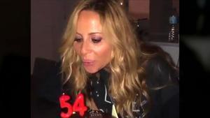 Marta Sánchez sopla las velas de su 54 aniversario.