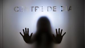 Una joven que está superando la anorexia en el centro de día de la asociación Setca, donde le hacen seguimiento.