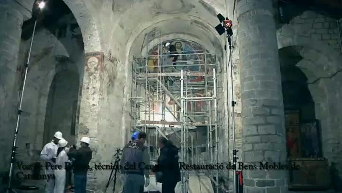 Retirada de la reproducción de las pinturas de Sant Climent de Taüll.