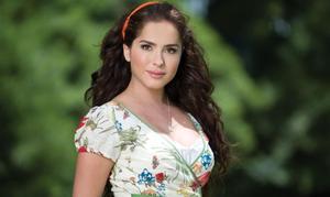 La actriz Danna García.
