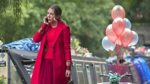 Katherine Ryan, en un fotograma de la serie de Netflix 'La marquesa'