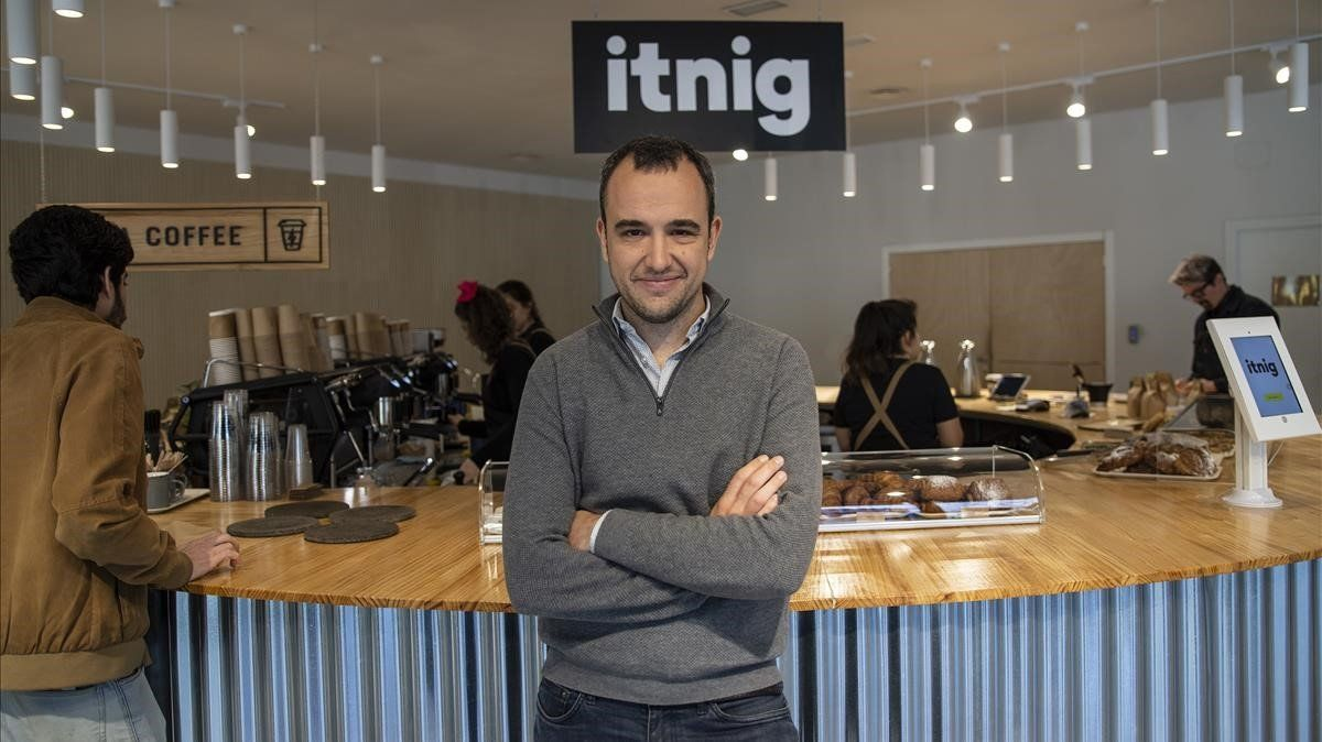 El director general de Itnig, Bernat Farrero, en el 'Coffice' del grupo
